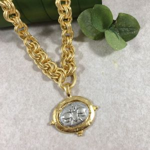 Golden Link Bee Necklace