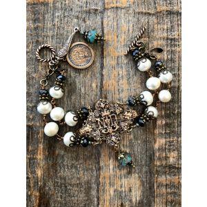 Notre Dame Cream Pearl Bracelet