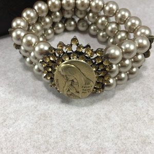 Our Lady of Fatima Pearl Bracelet
